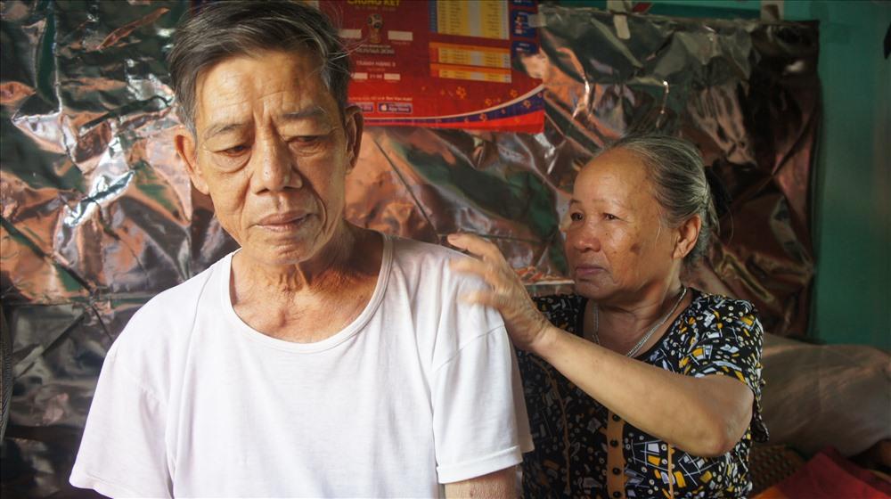 Cảm thương cụ bà 67 tuổi cần mẫn nhặt ve chai nuôi chồng chạy thận - Ảnh 9