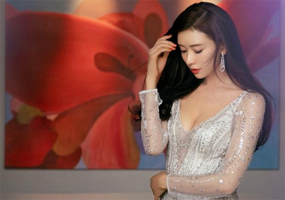 Lâm Chí Linh diện váy cưới xinh đẹp tựa nữ thần, fan mong chờ đến hôn lễ cổ tích của cô và bạn trai người Nhật - Ảnh 3