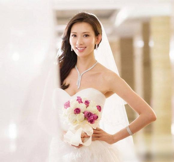 Lâm Chí Linh diện váy cưới xinh đẹp tựa nữ thần, fan mong chờ đến hôn lễ cổ tích của cô và bạn trai người Nhật - Ảnh 5