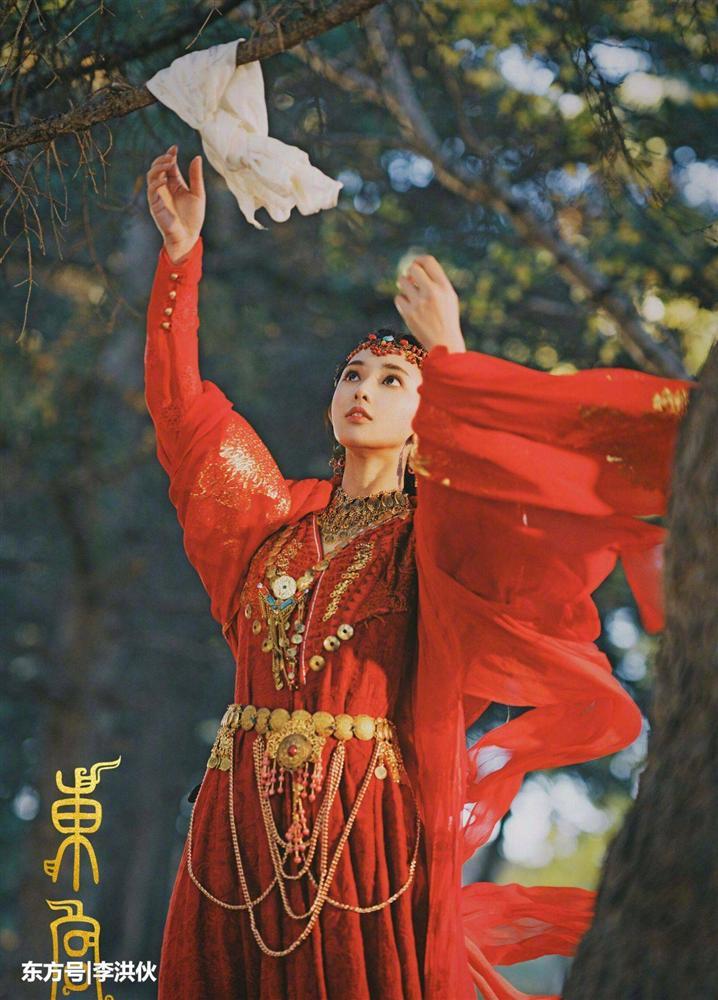 Nổi tiếng nhờ nhan sắc vạn người mê, Bành Tiểu Nhiễm khiến netizen 'bật ngửa' khi để lộ hình ảnh trước khi 'dao kéo' - Ảnh 3