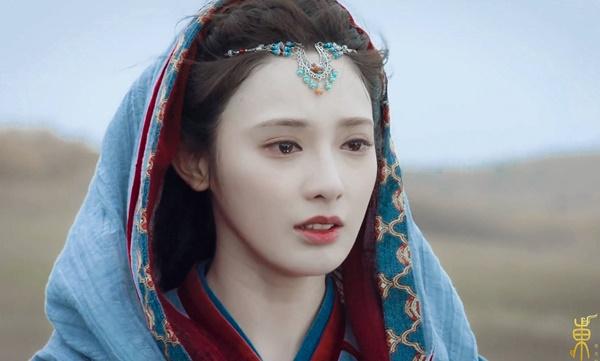 Nổi tiếng nhờ nhan sắc vạn người mê, Bành Tiểu Nhiễm khiến netizen 'bật ngửa' khi để lộ hình ảnh trước khi 'dao kéo' - Ảnh 2