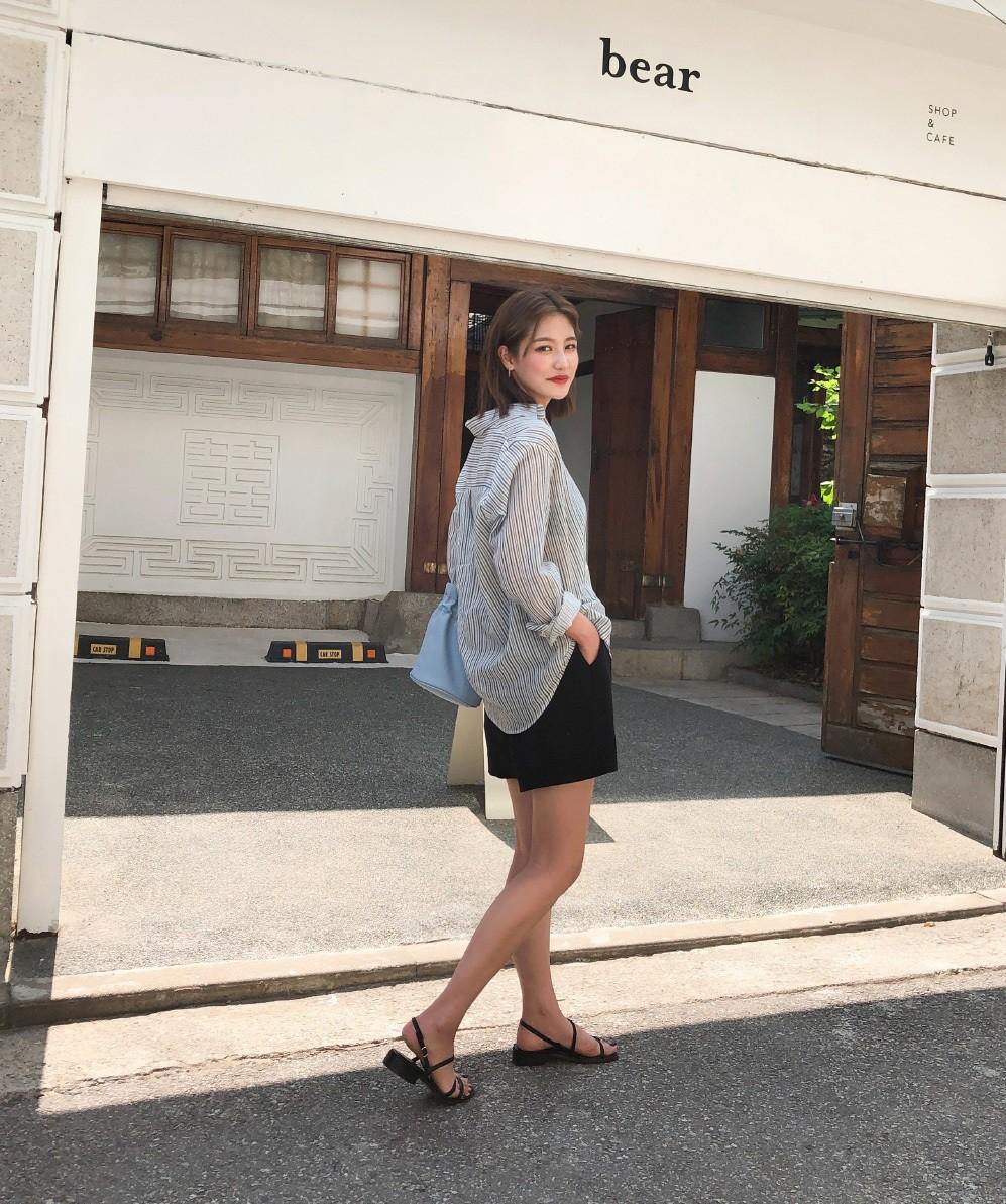 Nóng quá thì nàng công sở cứ mạnh dạn diện quần shorts nhưng để bảo toàn sự tinh tế, hãy tham khảo vài tips sau - Ảnh 2