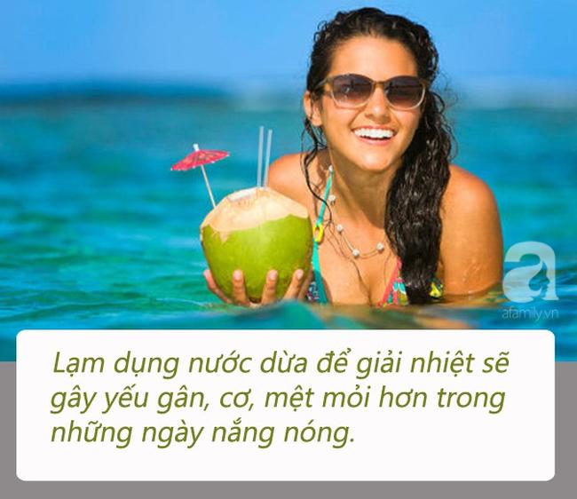 """Uống nước dừa vào mùa hè: Đừng quên những lưu ý """"đắt giá"""" từ chuyên gia để vừa khỏe vừa đẹp - Ảnh 2"""