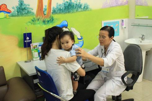 Căn bệnh cực kỳ nguy hiểm đe dọa trẻ mùa hè: BS BV Nhi Trung ương chỉ dấu hiệu cần nhớ - Ảnh 2