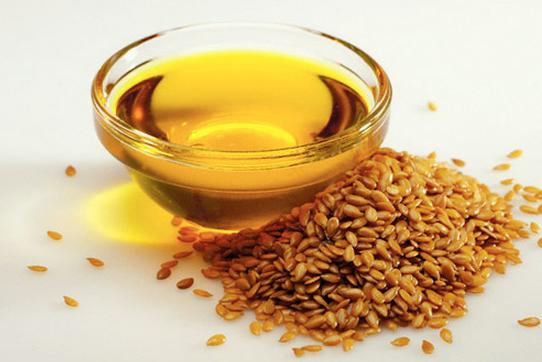 Ở nhà có sẵn lọ dầu mè mà không biết đến 8 cách dùng để trị mụn, chống lão hóa và dưỡng trắng da này thì quá phí 'thần dược' trời ban - Ảnh 1
