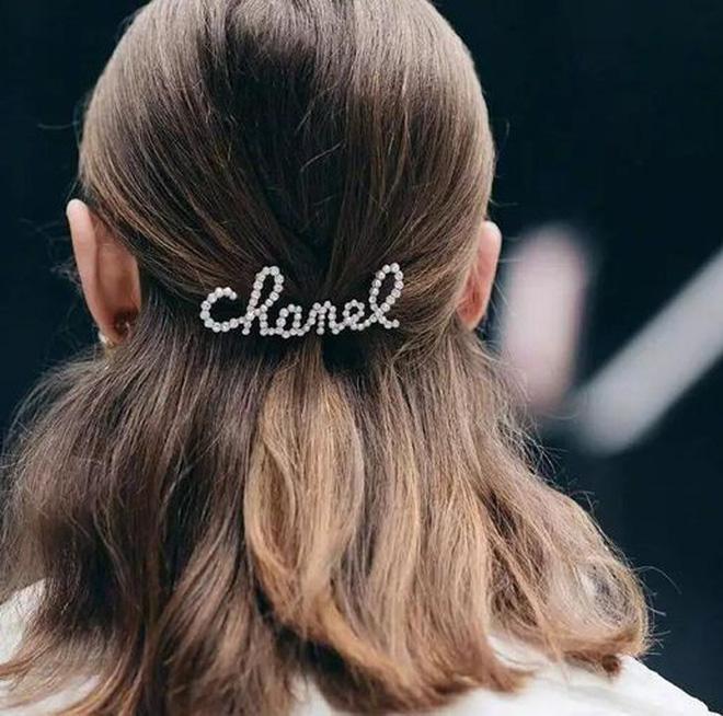 3 kiểu tóc buộc vội cũng đẹp mê ly, chị em công sở ngại gì mà không thử luôn - Ảnh 4