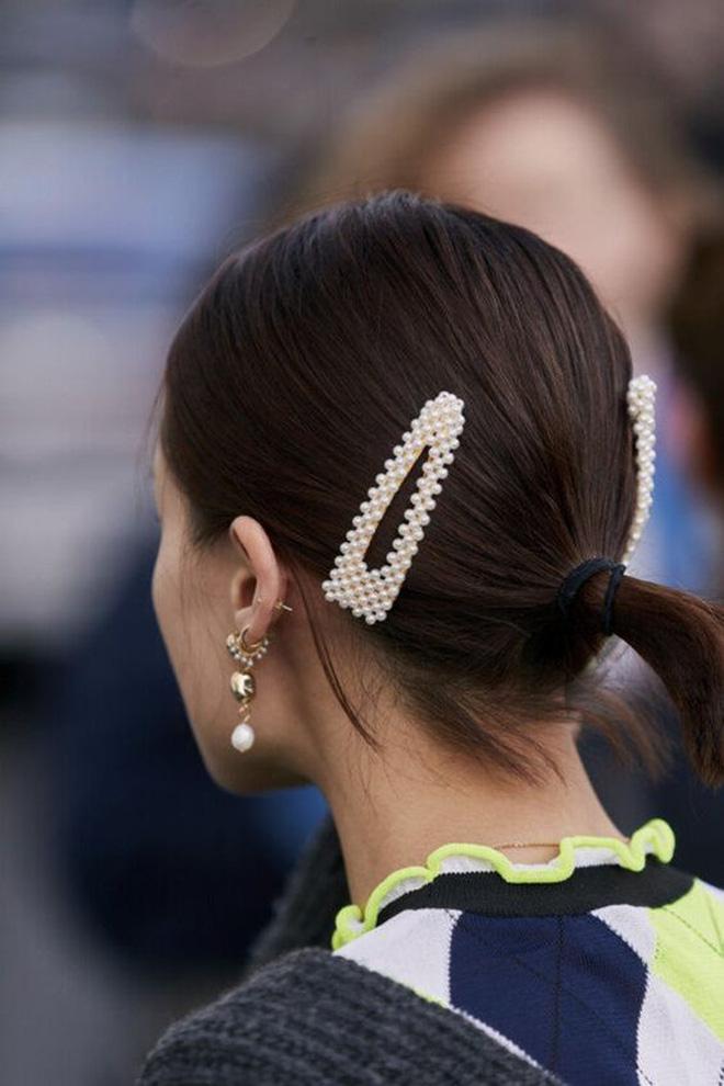 3 kiểu tóc buộc vội cũng đẹp mê ly, chị em công sở ngại gì mà không thử luôn - Ảnh 8