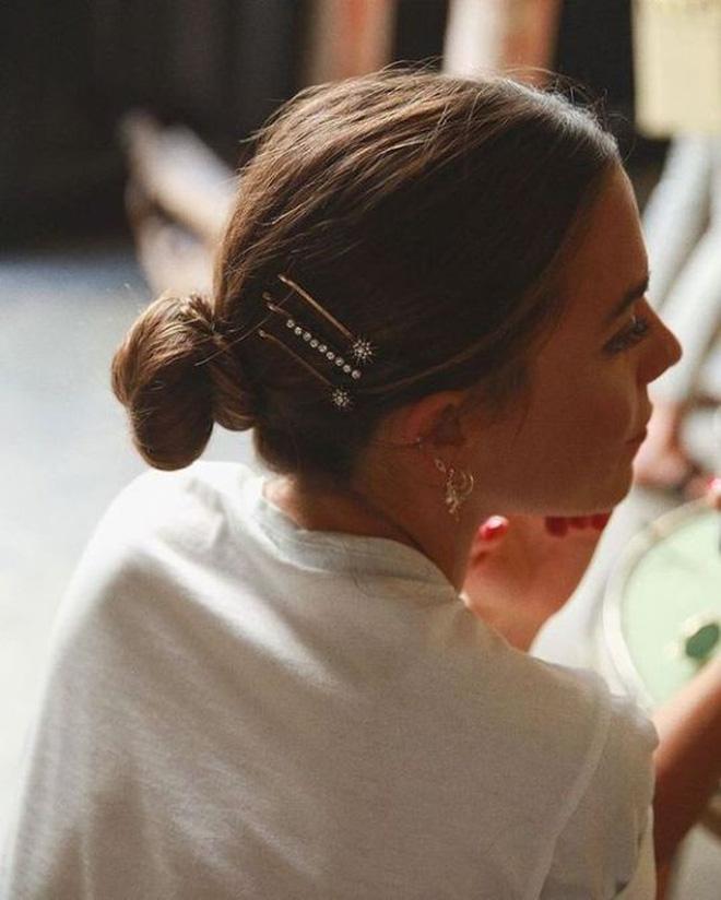 3 kiểu tóc buộc vội cũng đẹp mê ly, chị em công sở ngại gì mà không thử luôn - Ảnh 10