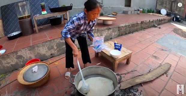 Bà Tân trổ tài làm cốc rau má đậu xanh siêu to khổng lồ, nhưng dân mạng chỉ chăm chăm chú ý tới câu 'lỡ lời' của Hưng Vlog - Ảnh 5