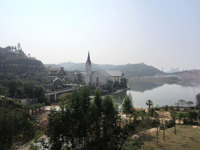 Trung Quốc chi 23.000 tỷ đồng để 'photocopy' ngôi làng 7000 tuổi đẹp nhất thế giới - Ảnh 3