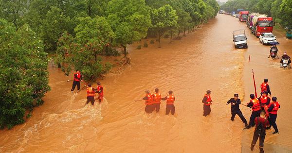 Trung Quốc: Vỡ 14 đê; lũ Trường Giang chảy ngược vào hồ nước ngọt lớn nhất - Đại hồng thủy xuất hiện! - Ảnh 1