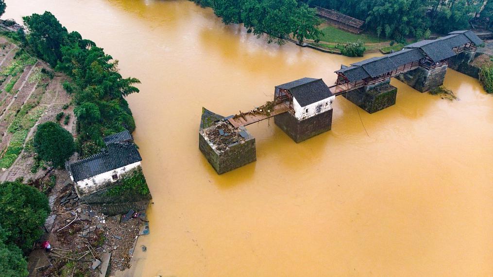 Trung Quốc: Vỡ 14 đê; lũ Trường Giang chảy ngược vào hồ nước ngọt lớn nhất - Đại hồng thủy xuất hiện! - Ảnh 2