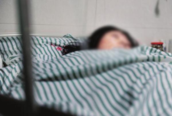 Cô gái trẻ bất ngờ tử vong sau đêm 'yêu' với bạn trai vì dùng thuốc tránh thai khẩn cấp - Ảnh 1