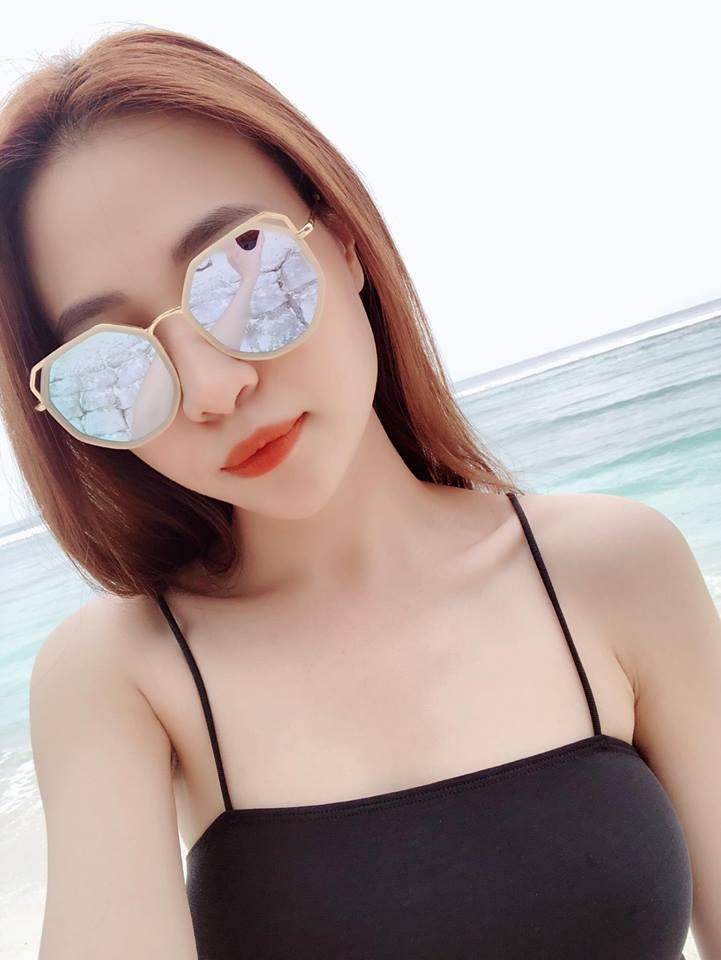 Mặc bikini khoét cao, Đàm Thu Trang - bạn gái Cường Đô la lại đốn tim fan - Ảnh 1