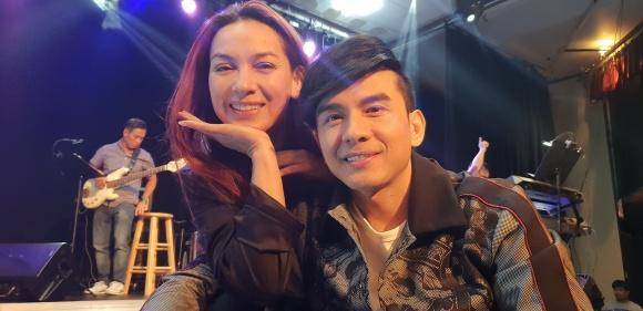 Không chỉ tích cực mời mọc chụp ảnh selfie, Phi Nhung còn múa minh hoạ cho Đan Trường - Ảnh 2