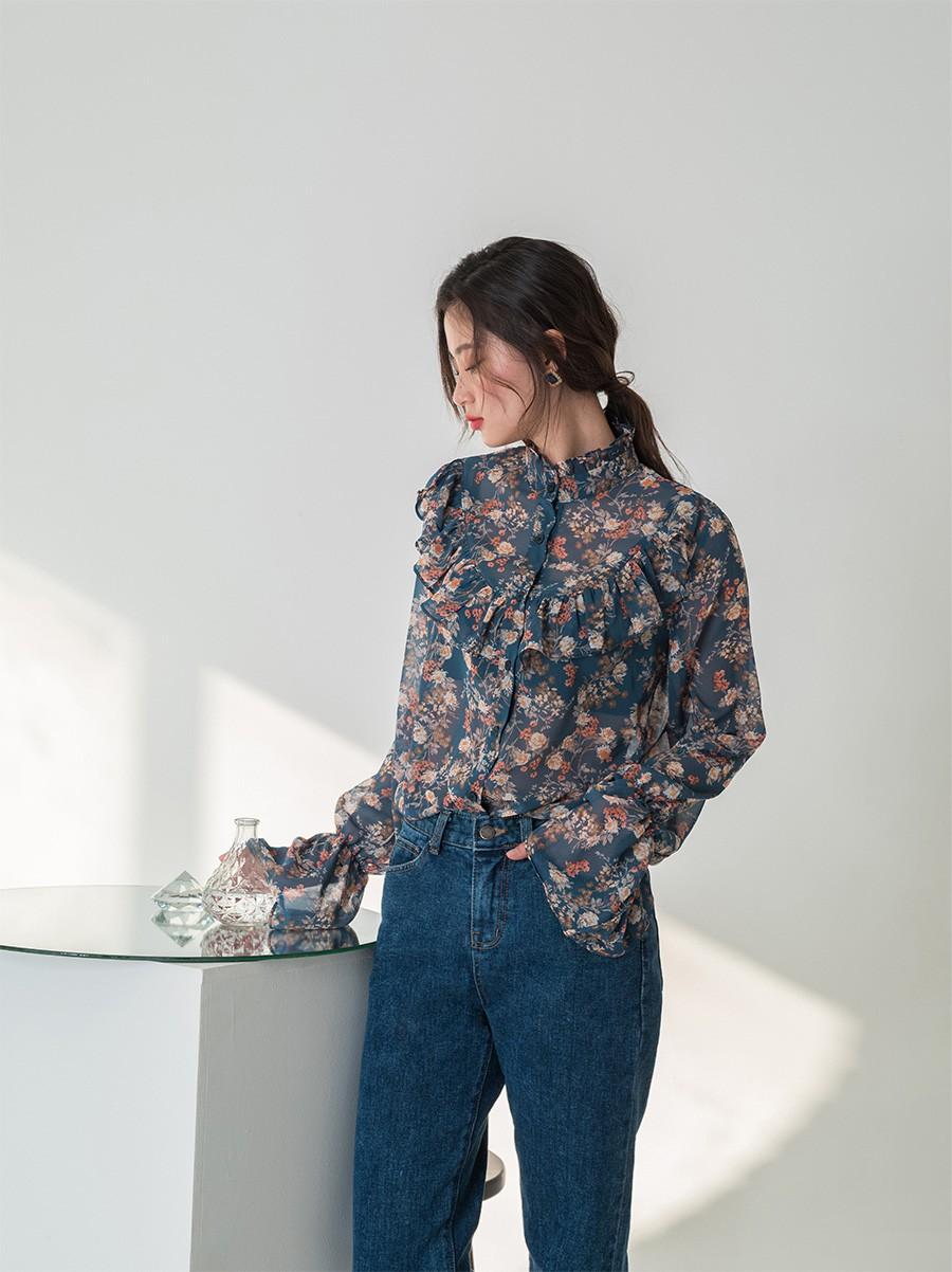 Chiếc áo cộng thêm vài phần sang chảnh cho các chị em công sở hóa ra cực dễ mix đồ - Ảnh 3
