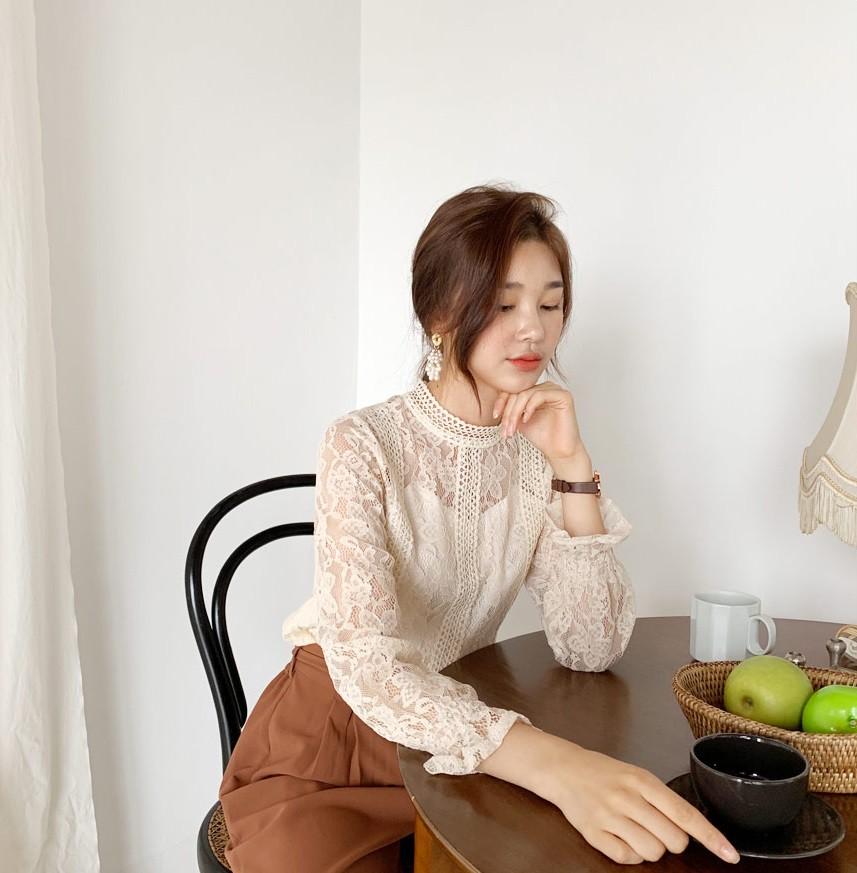 Chiếc áo cộng thêm vài phần sang chảnh cho các chị em công sở hóa ra cực dễ mix đồ - Ảnh 4