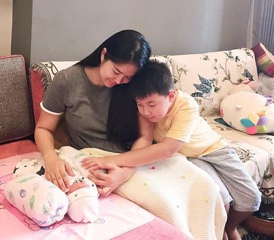 Từng ôm gối khóc ròng vì không có sữa cho con, Lê Phương tiết lộ thứ đồ uống giúp sữa về ào ạt - Ảnh 2