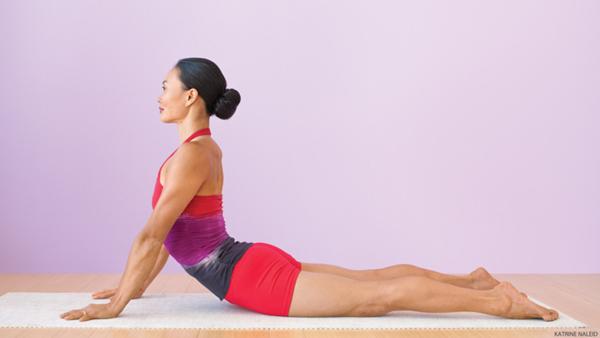 8 động tác giúp giảm đau lưng, tiêu diệt mỡ thừa vùng lườn - Ảnh 2