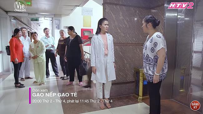 'Gạo nếp gạo tẻ': Bà Mai quỳ xuống xin Phúc buông tha cho Kiệt, để lộ chuyện Hân ngủ với Hùng trước đám cưới - Ảnh 2