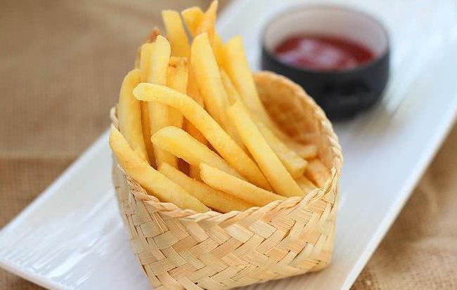 Tại sao khoai tây chiên ở ngoài hàng lại giòn và ngon hơn gấp vạn lần bạn tự tay làm, đó là do bạn chưa làm đúng cách mà thôi - Ảnh 5