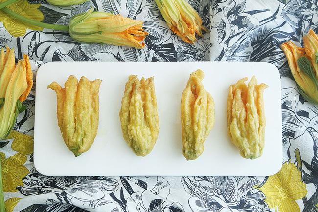 2 món ngon dễ làm từ hoa bí cho bữa tối thêm phong phú - Ảnh 4