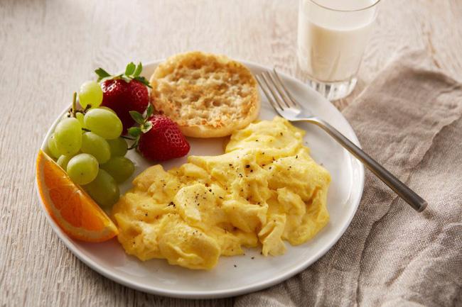 Không thích rán trứng theo kiểu truyền thống nữa, tôi làm món trứng khuấy lạ lẫm này, nào ngờ cả nhà khen hết lời - Ảnh 1