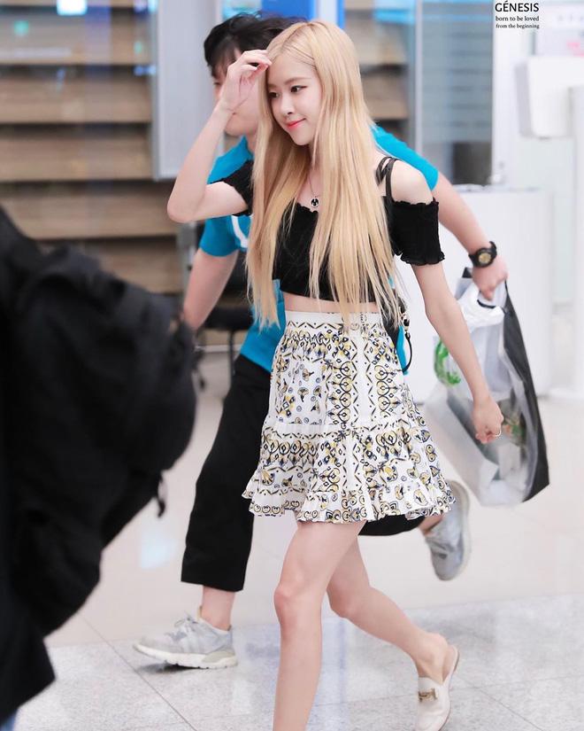 """5 cách diện chân váy ngắn 'max' xinh của idol Hàn: Nàng nào cũng nên biết để còn """"hack' dáng ảo diệu với người ta - Ảnh 9"""