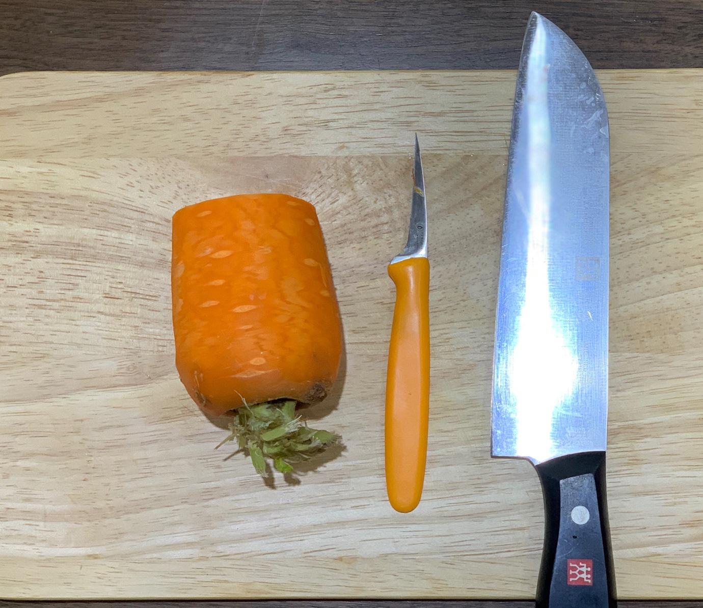 Học ngay cách cắt tỉa cà rốt thành lá phong trang trí đĩa ăn thật đẹp và lãng mạn - Ảnh 2