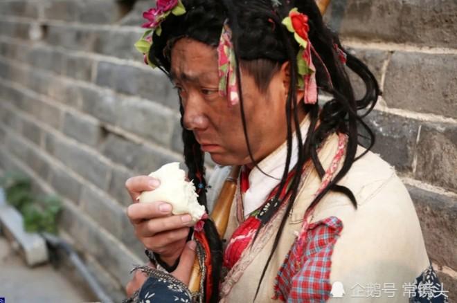 Chàng trai Trung Quốc mua nhà thành phố sau 8 năm đóng vai ăn xin - Ảnh 2