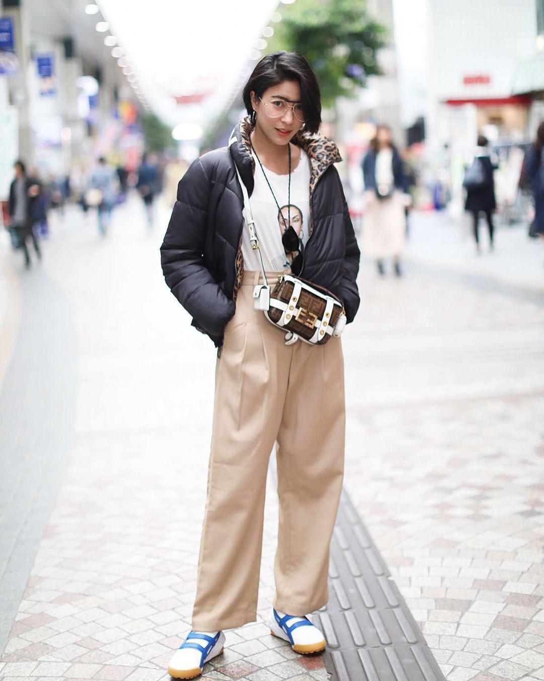 Chiêm ngưỡng những set đồ Đông chất lừ của bà xã 'dượng Chat', chị em sẽ mong trời lạnh thật nhanh để mặc mốt như cô ấy - Ảnh 5