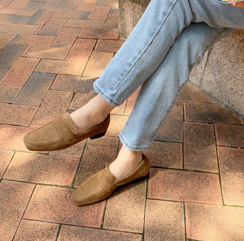 Diện quần jeans, chưa chắc là bạn đã có vẻ ngoài sành điệu nếu không mix với 4 mẫu giày sau đây - Ảnh 13