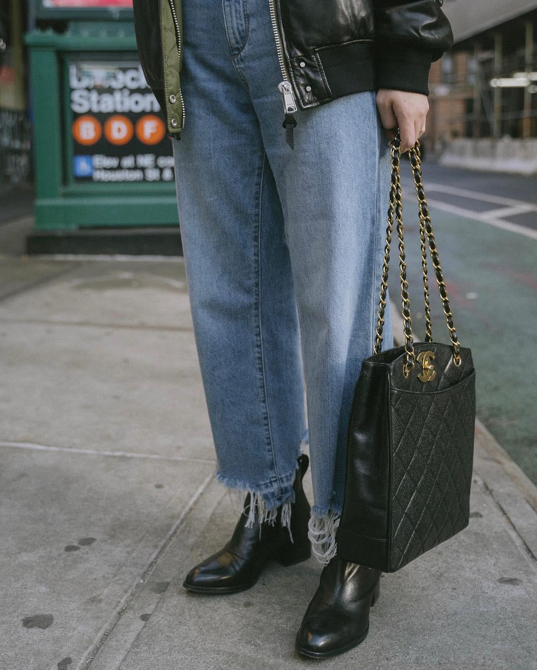 Diện quần jeans, chưa chắc là bạn đã có vẻ ngoài sành điệu nếu không mix với 4 mẫu giày sau đây - Ảnh 3