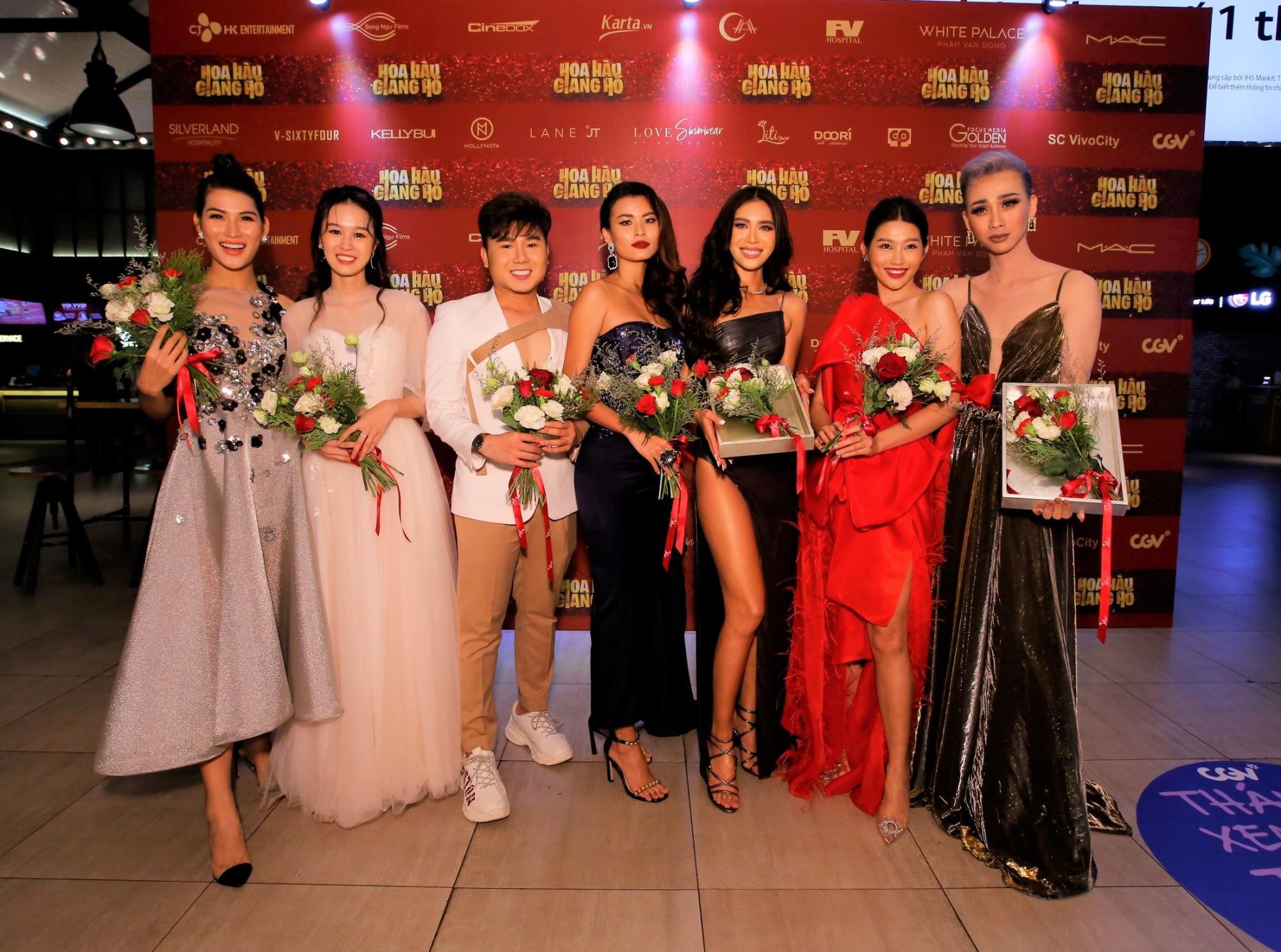 Tăng Thanh Hà và Thanh Hằng rạng rỡ đến chúc mừng Lương Mạnh Hải ra mắt phim đầu tay - Ảnh 1