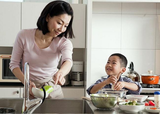 Không cho con làm việc nhà, cha mẹ đã tước đi cơ hội xây dựng nền móng để con trở thành người sống có trách nhiệm trong tương lai - Ảnh 3