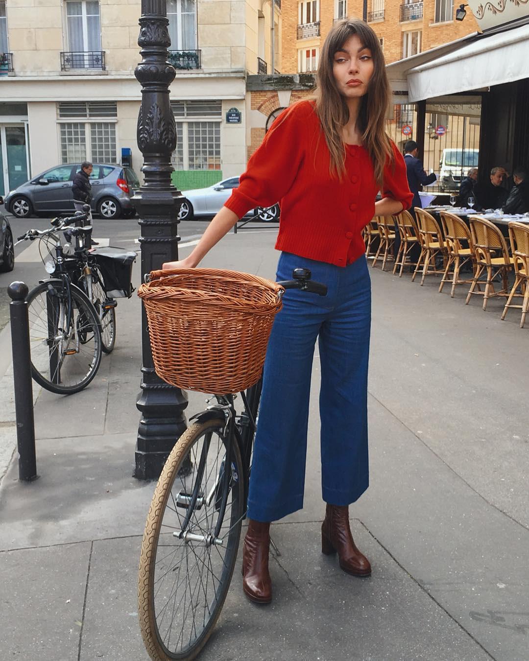 Không thể kìm lòng trước 5 cách diện áo len đẹp xỉu của phụ nữ Pháp, bạn sẽ muốn áp dụng bằng hết mới được - Ảnh 19