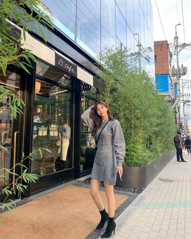 Nhìn street style Châu Á chỉ muốn trời lạnh thêm 1 tí nữa để thoải mái diện áo len 'to sụ' - Ảnh 7