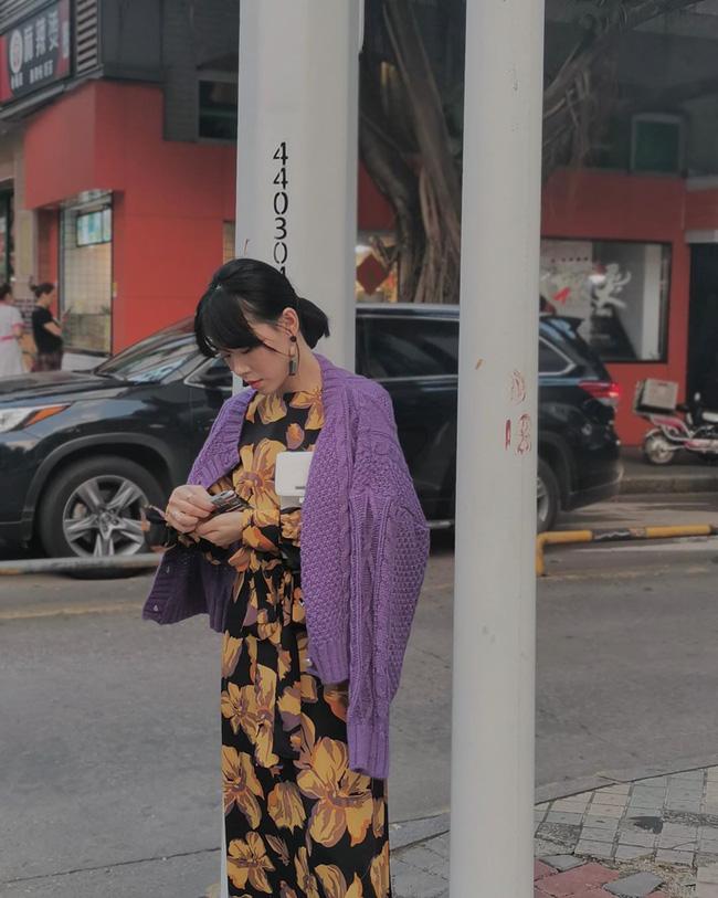 Nhìn street style Châu Á chỉ muốn trời lạnh thêm 1 tí nữa để thoải mái diện áo len 'to sụ' - Ảnh 8