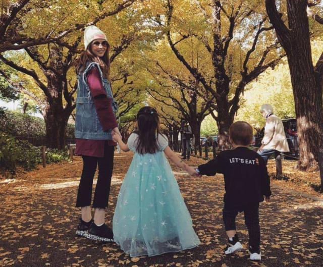 Con gái 3 tuổi của Châu Kiệt Luân gây sốt vì chiều cao vượt trội, 'lớn nhanh như thổi' - Ảnh 4