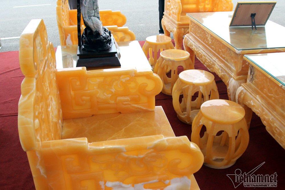 Đấu thắng tỷ phú Trung Quốc, đại gia Việt mua khối ngọc 5 tấn lớn nhất châu Á - Ảnh 11
