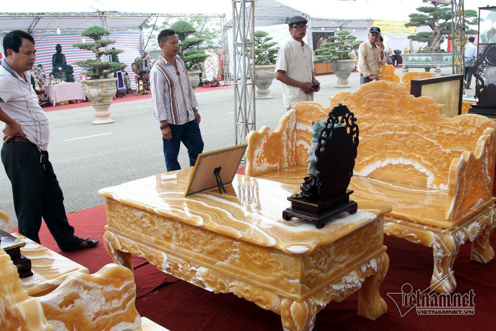 Đấu thắng tỷ phú Trung Quốc, đại gia Việt mua khối ngọc 5 tấn lớn nhất châu Á - Ảnh 14