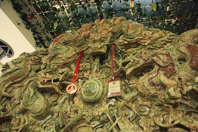 Đấu thắng tỷ phú Trung Quốc, đại gia Việt mua khối ngọc 5 tấn lớn nhất châu Á - Ảnh 16