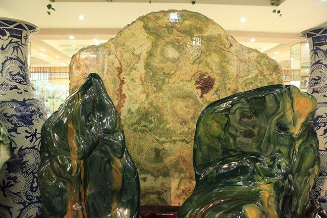 Đấu thắng tỷ phú Trung Quốc, đại gia Việt mua khối ngọc 5 tấn lớn nhất châu Á - Ảnh 20