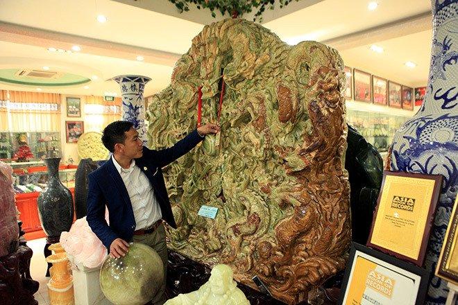 Đấu thắng tỷ phú Trung Quốc, đại gia Việt mua khối ngọc 5 tấn lớn nhất châu Á - Ảnh 21