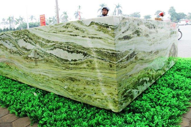 Đấu thắng tỷ phú Trung Quốc, đại gia Việt mua khối ngọc 5 tấn lớn nhất châu Á - Ảnh 5