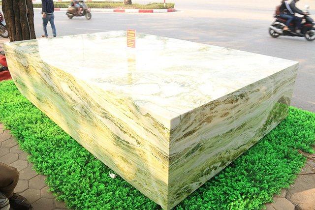 Đấu thắng tỷ phú Trung Quốc, đại gia Việt mua khối ngọc 5 tấn lớn nhất châu Á - Ảnh 6