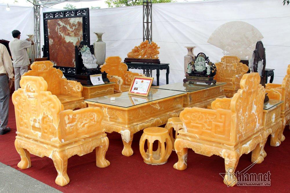 Đấu thắng tỷ phú Trung Quốc, đại gia Việt mua khối ngọc 5 tấn lớn nhất châu Á - Ảnh 7