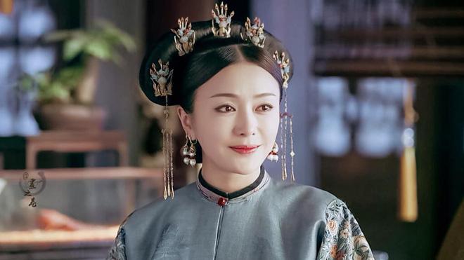 Nhan sắc thời trẻ của Hoàng hậu Tần Lam: So với bây giờ khác một trời một vực - Ảnh 1
