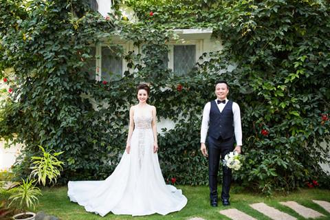 Sau nhiều năm chung sống, Vy Oanh bất ngờ tung ảnh cưới đẹp như cổ tích với chồng đại gia hơn 15 tuổi - Ảnh 5