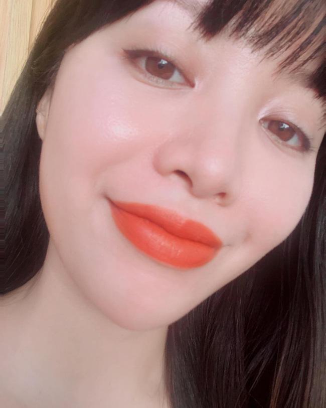 2 bí kíp makeup đơn giản nhưng max xinh của Michelle Phan: một kiểu sang chảnh, một kiểu hack tuổi cực hiệu quả - Ảnh 4